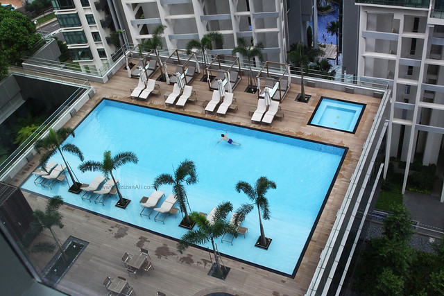 Oasia Hotel Singapore: Pool