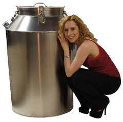 Dayle Krall and the Houdini Milk Can Escape (Dayle Krall:Most Accomplished Female Escape Artist) Tags: escapes houdini milkcan breathhold richardsherry daylekrall ladyhoudini sherryandkrallmagic