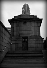 (jordi.martorell) Tags: door urban blackandwhite bw london blancoynegro geotagged nikon lion bn southbank guessed guesswherelondon westminsterbridge jamesbond blancinegre gwl d40 nikond40 guessedbytrewilliam