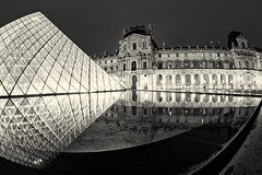 Night reflections (Gskill photographie) Tags: blackandwhite bw paris france reflection night reflections raw noiretblanc sigma muse fisheye pyramide reflets hdr rivoli lelouvre darknight 10mm gskill