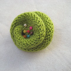 Knit Flower Pin Brooch Green Beads Wool Rustic Decor Accessories Eco friendly (handknitbydimana) Tags: flower wool floral fashion beads knitting brooch rustic decoration jewelry accessories embellishments ecofriendly recicled upcycled under5 pinbrooch customorder womanwomenlady handmadebymargity optionalcolor