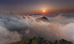 Highest Sunrise (Adam BStar) Tags: cloud sun sunrise low crib snowdon inversion temperature rise snowdonia goch