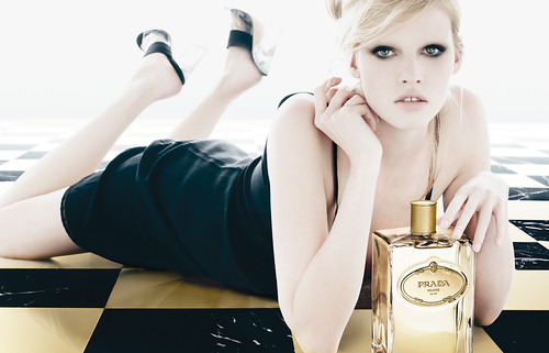 Prada - Infusion d'Iris Absolue - Lara Stone