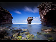 Thorntonloch Rock 3 (Dougie Williams) Tags: longexposure blue beach landscape scotland landscapes edinburgh seascapes horizon lee eastlothian longexposures torness bythesea digitalcameraclub dunglass thorntonloch bigstopper nd10stop leebigstopper landscapephotographymagazine musselburghcameraclub