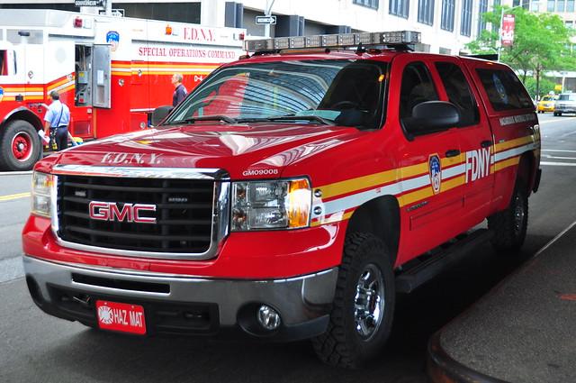 nyc newyorkcity ny newyork gm manhattan chief pickup pickuptruck sierra firetruck financialdistrict fireengine odyssey fdny gmc lowermanhattan hazmat 2500 battalion 2500hd newyorkcounty newyorkcityfiredepartment