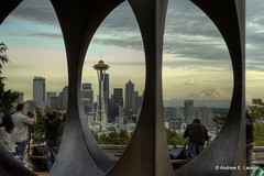 Framing the Needle (Andrew E. Larsen) Tags: seattle sky kerrypark papalars andrewlarsen andrewlarsenphotography kerryparkmystique