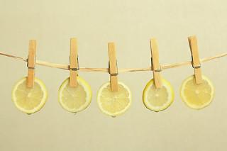 limones tendidos al sol