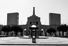 Los Angeles   |   Los Angeles Memorial Coliseum (JB_1984) Tags: california ca blackandwhite bw usa mono la losangeles unitedstates stadium landmark socal coliseum usc southerncalifornia expositionpark trojans americanfootball cityofangels losangelescounty losangelesrams losangelesmemorialcoliseum