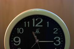 行走时钟/Ticking Clock (KAMEERU) Tags: lighting colour clock filter setup strobe yn300 yn560iii