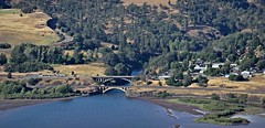 Rowena view of the Lyle Bridges 6 18 2016 (rbdal (Rick Dalrymple)) Tags: road oregon nikon highway anniversary historic washingtonstate bnsf lyle rowenacrest historiccolumbiariverhighway wascocounty pavedroad 100thanniversary sr14 d7000
