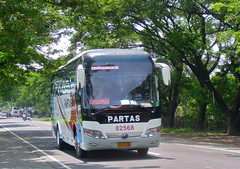 Laoag Fighter (markstopover_004) Tags: road bus air transport transportation co trans ilocos ac runner aircon con roadrunner laoag norte 256 regular ptc yutong partas 82568 zk6107h zk6107ha