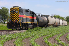 IAIS 707 (Justin Hardecopf) Tags: city railroad branch iowa prairie 707 altoona gp382 iais iowainterstate ntsw
