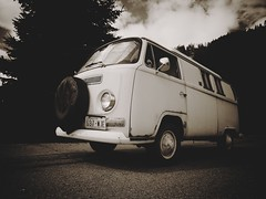 A German in Leavenworth (bOw_phOto) Tags: classic volkswagen washington olympus van camper leavenworth omd westfalia 918 poptop em5 oldschooldigital mzuiko camerabag2