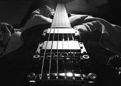 Ibanez ARZ-800 (Daniel Bjrkemark) Tags: white black photo guitar 800 arz ibanez ibanezarz800
