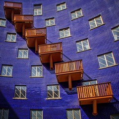 Out of the Blue (Paul Brouns) Tags: blue windows england urban london wow paul britain geometry balcony bricks great lookup round architektur balconies geometrical brilliant rhythm architectuur  brouns paulbrouns london2016 paulbrounscom