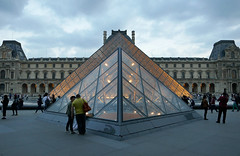 Louvre pyramids, lit from within - Dusk at the Louvre (Monceau) Tags: gold pyramid dusk louvre glowing inside lit musedulouvre aligned