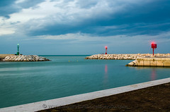 Senigallia harbor entrance (Mauro Taraborelli) Tags: winter red sea italy lighthouse green harbor europe mediterranean afternoon marche senigallia adriatic ancona nikond7000