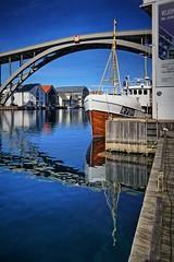 Haugesund, Norway (Vest der ute) Tags: bridge houses seascape norway reflections mirror boat rogaland haugesund fav25 g7x