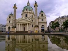 Viena. Karlskirche (Asun Idoate) Tags: austria reflejos barroco