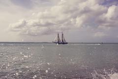 (b e l  n : : b e) Tags: west mar key florida gotas nubes velero