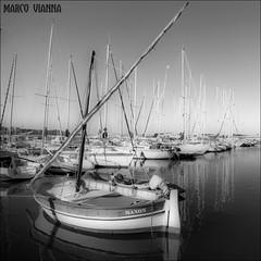 El Puerto de Martigues (m@tr) Tags: france canon boats barcos frana sigma puertoviejo oldport francia martigues provenzaalpescostaazul canoneos400ddigital mtr sigma1020mmexdc marcovianna elpuertodemartigues