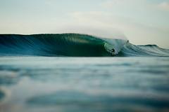 (SARA LEE) Tags: morning 50mm perfect surfer tube barrel wave australia nsw byronbay aframe sarahlee kobetich surfhousing