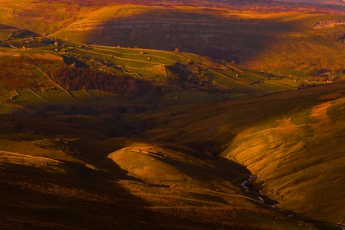 Swaledale From the Buttertubs Pass (Explored) / Steve Thompson