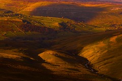Swaledale From the Buttertubs Pass (Explored) (Steve Thompson images) Tags: landscape dale barns valley northyorkshire yorkshiredales swaledale muker canon70200l riverswale polarisingfilter buttertubs thedales ndgradfilter canon5dmark2