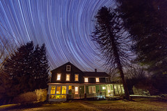 Country House (Regulus12) Tags: night stars astrophotography astronomy nightsky startrails canon6d