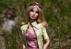 giselle-at-the-creek (Corset_Kitten) Tags: canon 50mm giselle fr oin nifty50 fashionroyalty sixthscale playscale nuface poppyparkerbody