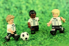 Practice for the UEFA EURO 2016 (Lesgo LEGO Foto!) Tags: cute love germany fun toy toys football nikon lego soccer minifig collectible minifigs omg mller collectable minifigure dfb minifigures thomasmller boateng germanteam schweinsteiger bastianschweinsteiger 71014 germannationalfootballteam d5300 legophotography minifigureseries legography collectibleminifigures jrmeboateng germanyfootballteam coolminifig 60mmf28drmicro collectableminifigurenikkor legominifigure71014 germannationalfootballteamminifigure legominifiguresgermanyfootballteam germannationalfootballteamcollectibleminifigures dfbcollection