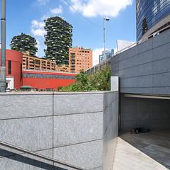 Disuguaglianza Verticale (Marco Crupi Visual Artist) Tags: sky milan skyscraper foto milano panasonic fotografia gx80 boscoverticale lumixgx80 disuguaglianzaverticale