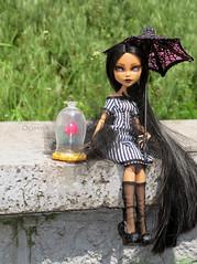 Cleo (oooomka) Tags: monster de outfit high doll hand ooak nile made cleo repaint reroot creepateria