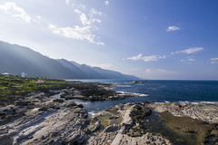 (Olen photo) Tags: ocean travel blue sky cloud white mountain grass rock stone canon view taiwan wave tokina hualien 500d t116