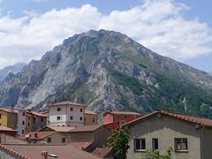 Sotres (rimerbl) Tags: leica espaa mountain mountains spain village asturias sotres picosdeeuropa leicadlux6 dlux6