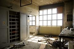 Atelier dsoss (B.RANZA) Tags: trace histoire waste sanatorium hopital empreinte exil cmc patrimoine urbex disparition abandonedplace mmoire friche centremdicochirurgical