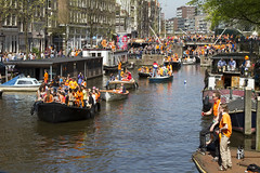 Amsterdam, Korte Prinsengracht (Bart van Dijk (...)) Tags: city party feest urban orange netherlands amsterdam nederland citylife streetphotography dailylife stad oranje stadsarchief korteprinsengracht peopleinthecity straatfotografie peopleinthestreets dagelijksleven mensenopstraat stadsleven peopleinamsterdam stadsarchiefamsterdam canoneos7d mensenindestad bartvandijk breeblebox menseninamsterdam cityarchivesamsterdam queensday2012 iphone4koninginnedag2012