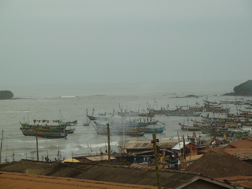 Fishing canoes in Axim,Ghana. Photo by Anne Delaporte, 2011