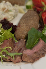 Savoury Savonia - Plateful of local dishes 4 (J-P Korpi-Vartiainen) Tags: blue food cheese finland menu bread cuisine strawberry culture plate meat delicious sallad pastry lamb local finnish kuopio ruoka pasty roasted fillet meny ruisleip maku aito juusto salaatti herkku plateful liha savolainen ruokalista savonia herkullinen elintarvike lhiruoka pohjoissavo ruokakulttuuri paikallinen liharuoka homejuusto jpko lampaanliha pohjoissavolainen aitoja makuja lautasellinen lampaanfile