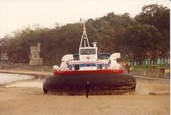Hovercraft (Morgan Balmer) Tags: isle wight hovercraft iow