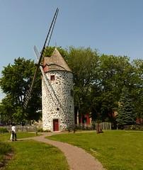 Montréal, 11 juin 2012. Rue Notre-Dame Est. (DubyDub2009) Tags: mill windmill architecture moulin montréal québec histoire moulinàvent ruenotredame sulpiciens