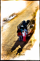 A beira do caminho (Junior AmoJr) Tags: street color art sol colors arquitetura brasil photoshop canon cores sãopaulo chuva pb paisagem junior streetphoto cor snapfish gettyimages lightroom t3i atibaia photostreet itsnoon canonlightroom gettyimagesandtheflickrcollection gettyimagesbrazil amojr junioramojr crowdart oliveirajunior riafestival