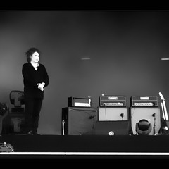 Robert Smith (Spinool) Tags: festival concert tour live landgraaf cure 2012 robertsmith pinkpop plainsong summercure justbeforetheystartedtoplay 2012citizensnotsubjects