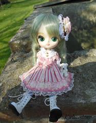 Sitting (Wolkywii) Tags: sweet lolita kanaria