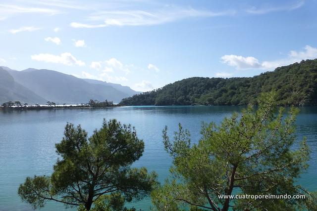 Vista del Lagoon de Oludeniz desde el camino de los campings