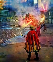 Foc (Francesc Reina / freina) Tags: fiesta movil catalunya fuego festa foc ripollet revetlla diables freina francescreina galaxys7