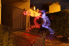 Punchy (Lofidentiste (Florent Cabocel)) Tags: lofidentiste lofi light longexposure lightpainting longexposition longueexposition drawingwithlight lightgraff lightart night nuit photodenuit nocturne longuepose poselongue blue red monster monstre 30sec canon canoneos5dmkii canoneos nightphotograph photography nightphotogrpahy florentcabocel france francophone