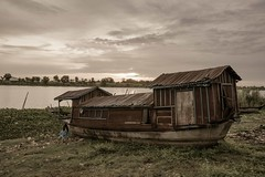 Boathouse (freebird) Tags: house sunrise boat cambodia khmer cloudy wideangle tonlesap kampuchea kampongchhnang