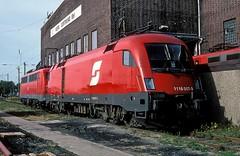 1116 017 + 110 202  Dortmund  03.10.04 (w. + h. brutzer) Tags: dortmund eisenbahn eisenbahnen train trains sterreich austria railway elok eloks lokomotive locomotive zug bb taurus 1116 webru analog nikon