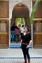Allison au Palais de la Bahia (jaxies) Tags: travel friends holiday 35mm photography morocco marrakech palaces nikond60 lepalaisdelabahia